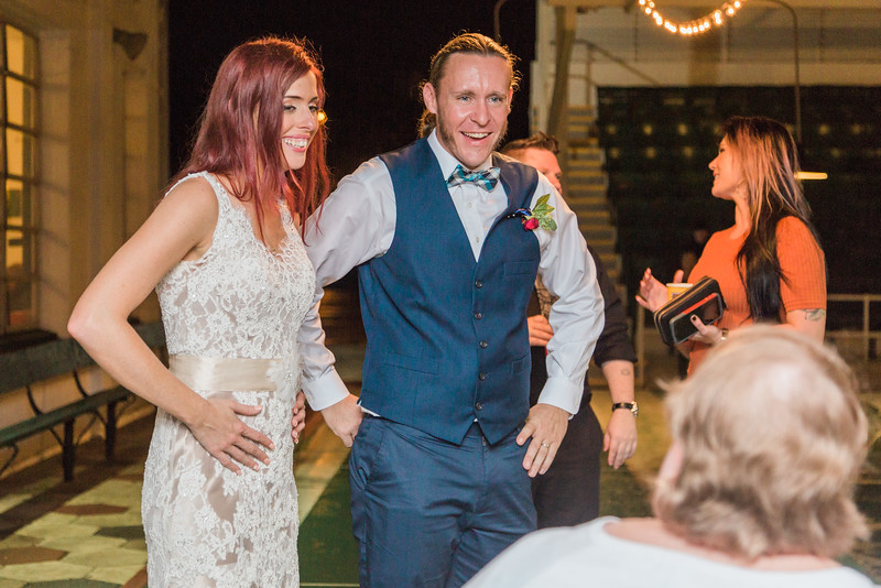 ELP1015 Tara &Phill St Pete Shuffleboard Club wedding reception 445.jpg