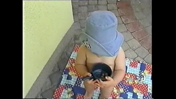 1999v Annie, Pool & Slide