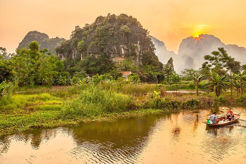 Ninh Binh River SunsetIMG_7586.jpg