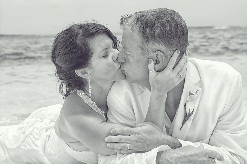 Scott & Alicia   Trash-the-Dress Session   Exuma Point Beach   Exuma, Bahamas