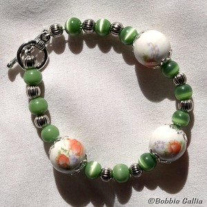 B0901-23, Hand Painted Ceramic Bead Bracelet
