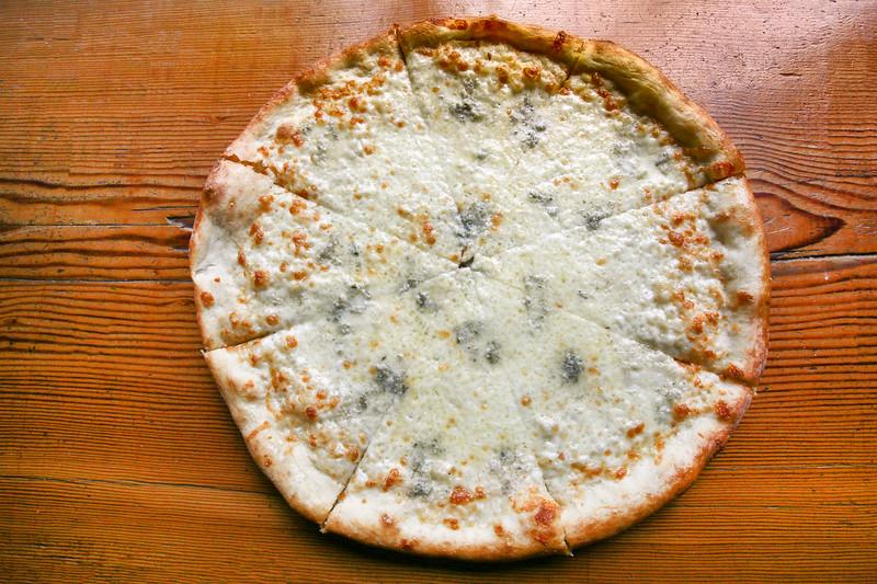 SuziPratt_Ballard Pizza Co_Bianco_001.jpg