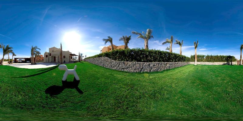 Villa Garden2.jpg