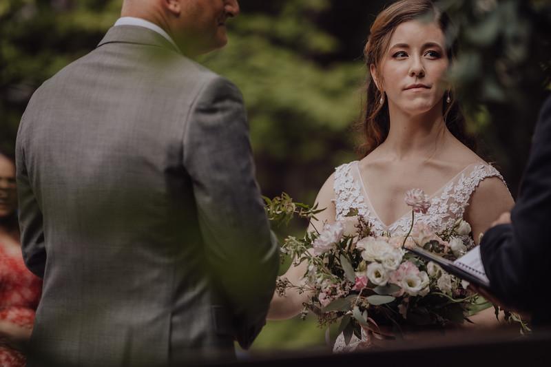 2018-05-12_ROEDER_JulieSeth_Wedding_ROEDER2_0020.jpg