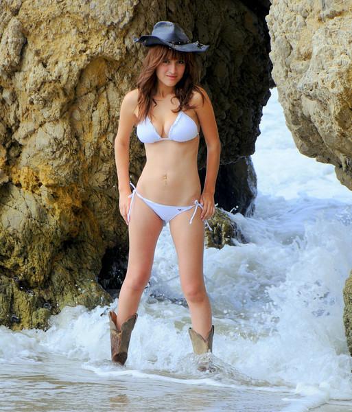 swimsuit model beautfiful woman malibu 540.45.45.