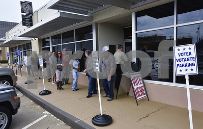 long-lines-mark-start-of-early-voting-in-smith-county-for-nov-8-general-election