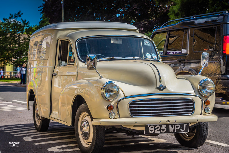 Morris Minor Van Bourton-on-the Water Cotswolds LR-6547.jpg
