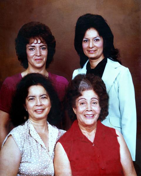 Sisters Pic018.jpg