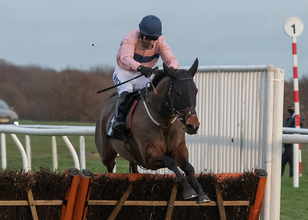 Race 6 - Lily Of Leysbourne