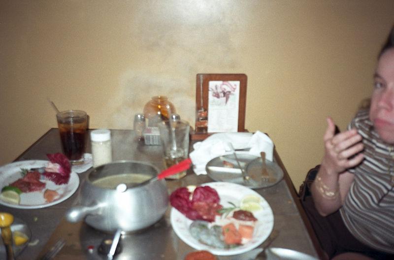 1997 04 27 - Melting Pot w_Michele and Lisa 07.jpg