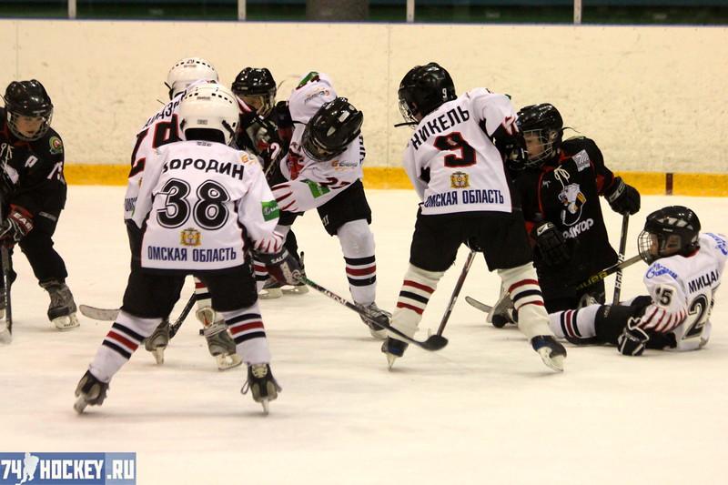 Трактор-2004 (Челябинск) - Авангард-2004 (Омск) 2:1. 20 апреля 2012