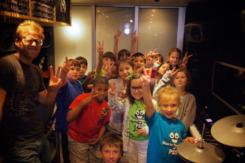2013_03_05, Pfluggerville, Texas, Student Tours, Peace Sign, Hans, lb.org