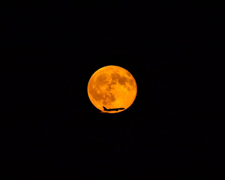 Sturgeon Moon Plane X2.jpg