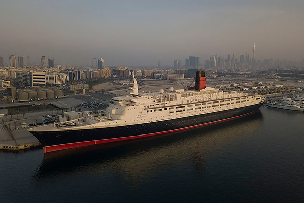 One Night On The Queen Elizabeth 2