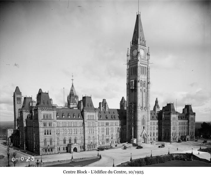 Centre Block - L'édifice du Centre, 10/1925