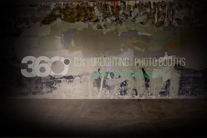 Spotlight Grunge_batch_batch.jpg