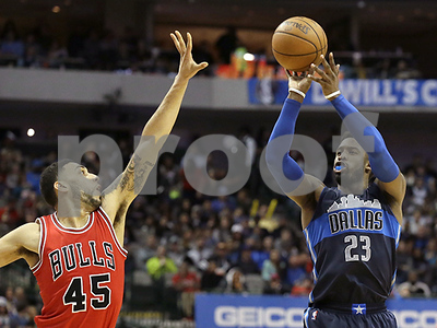 harrison-barnes-and-wesley-matthews-power-dallas-mavericks-past-chicago-bulls-10782