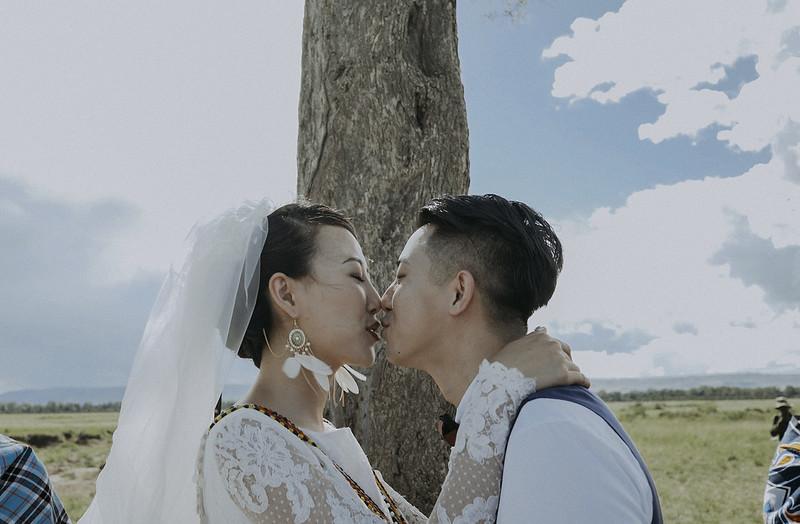 Tu-Nguyen-Destination-Wedding-Photographer-Kenya-Masai-Mara-Elopement-Doris-Sam-390.jpg