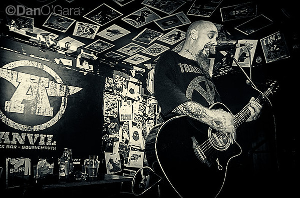20170305_NickOliveri_1.jpg