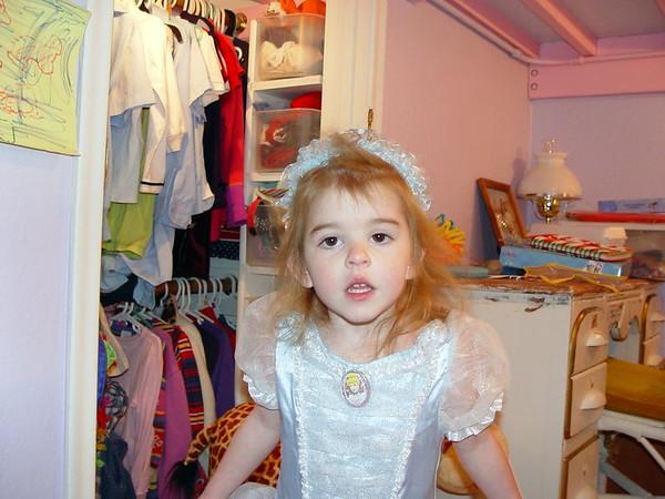 2005 March 19 - Annalisa Minke - 3rd Birthday