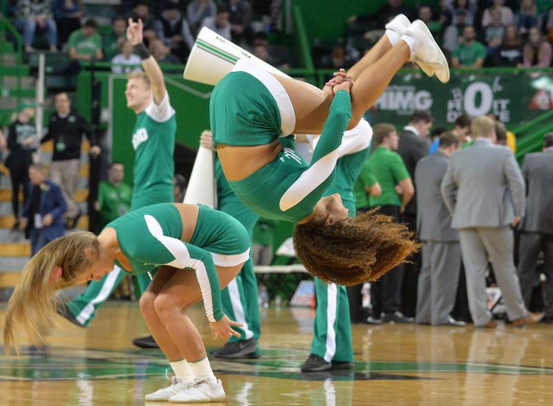 cheerleaders2958.jpg