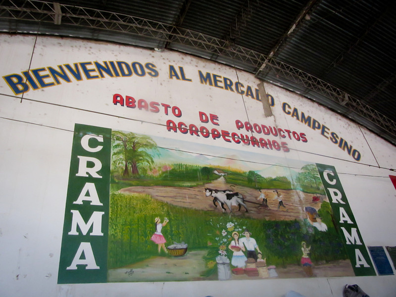 Tarija 201205 Mercado Campesino (2).jpg