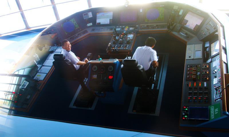 marinercockpit2.jpg