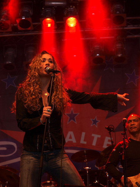 Dana Fuchs Band Ribs & Blues Raalte 31-05-09 (2).jpg