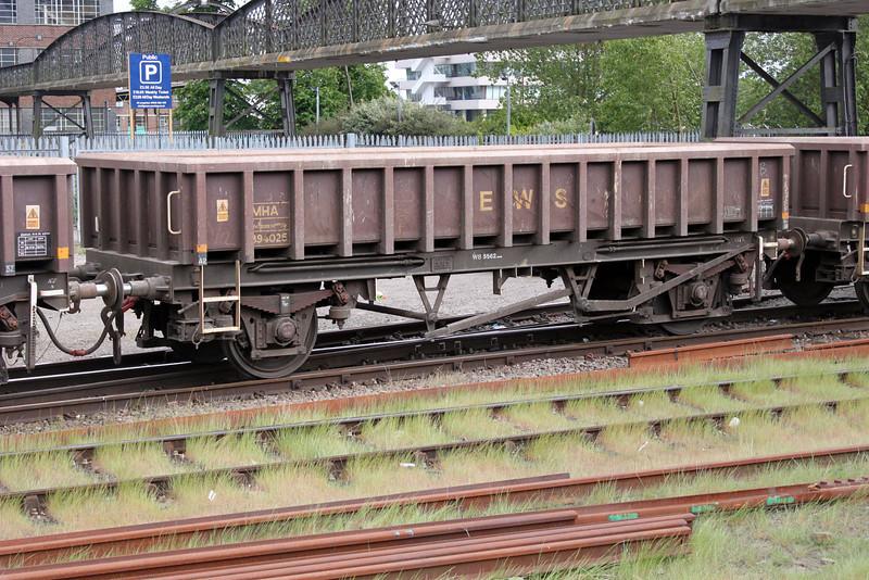 MHA 394025 on 6t62 Royston-Whitemoor at Welwyn.G.City 15/05/11