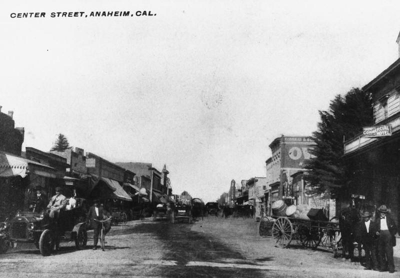 Anaheim-CenterStreet-1910.jpg
