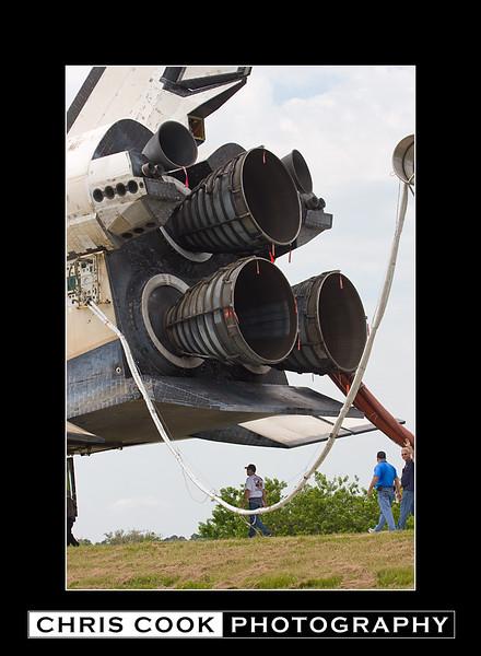 STS-135-landing-34.jpg