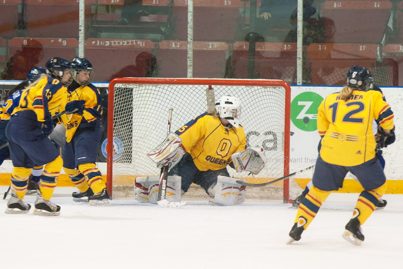 20130310 QWHockeyvsUBC 477.jpg