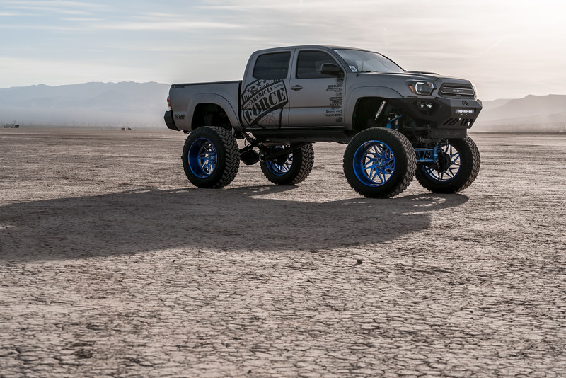 @T_harper96 @Vengeance_tacoma 2005-15 Toyota Tacoma featuring our New 2019 Concave 24x14 Lollipop Blue #GENESIS wrapped in 40x1550x24 @NittoTire-40.jpg