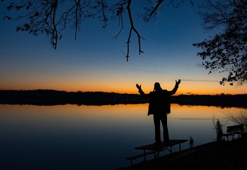 Joel-selfie-Sunset-WingfootLakeDec3.jpg