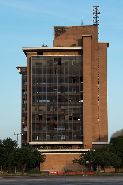 Skyscraper Bank Building Implosion_004.jpg