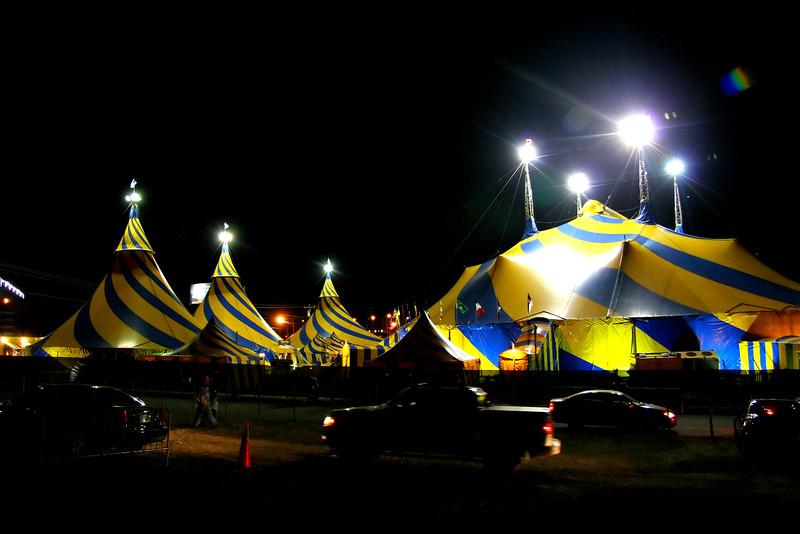 Cirque_Du_Soleil___Varekai_2.jpg