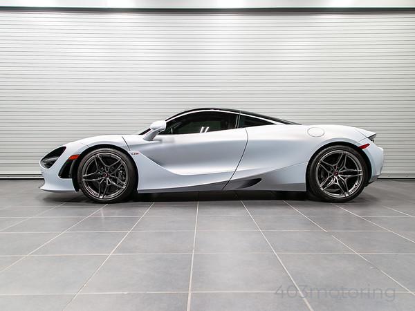 '18 720S Luxury Coupe - Glacier White