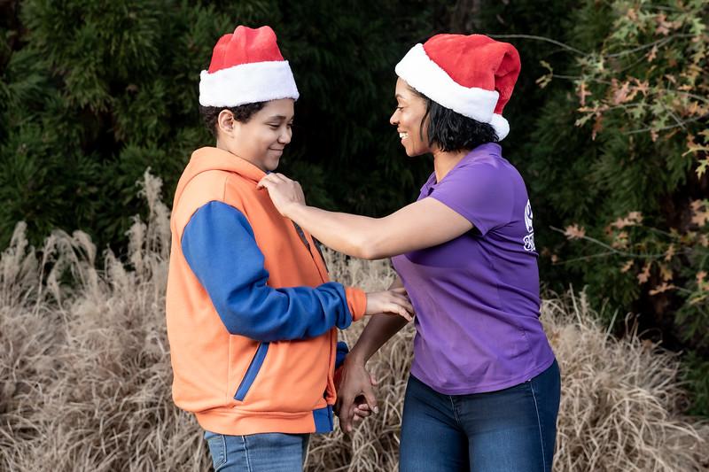 12.08.19 - Ana Santana (Christmas Photoshoot) - -18.jpg
