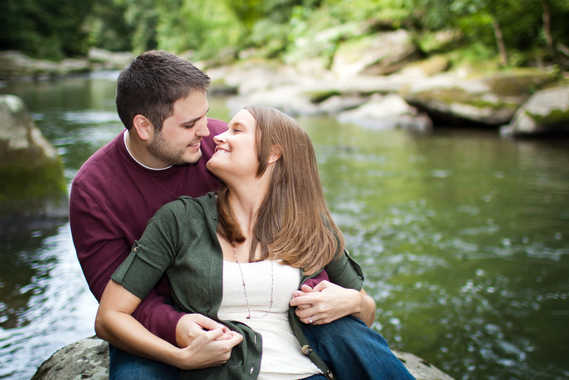 engagement, session, free, 2hr, 2, hour, love, lovers, romance, romantic, portraits, portrait, photos, photo, engaged, fiance,