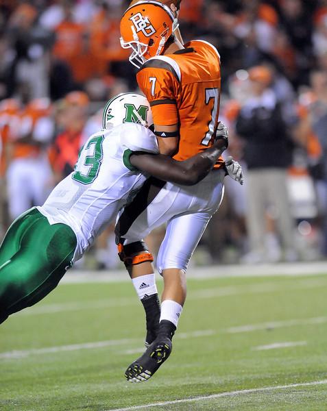 football-defense9317.jpg