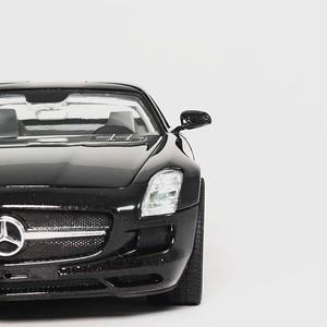 Mercedes- Benz SLS AMG 1:24 Revell