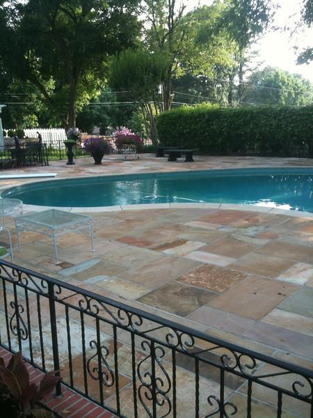 032 Graceland pool