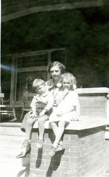 Wayne, Aunt Mary & Bette Eldredge