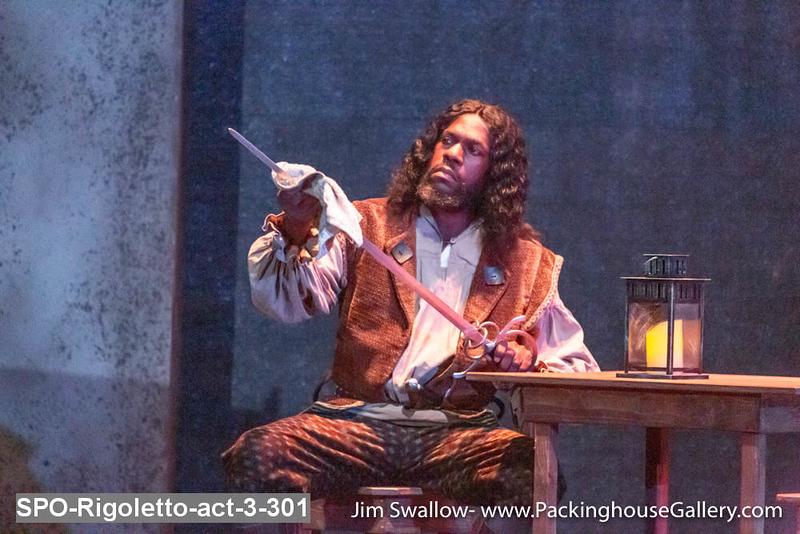 SPO-Rigoletto-act-3-301.jpg