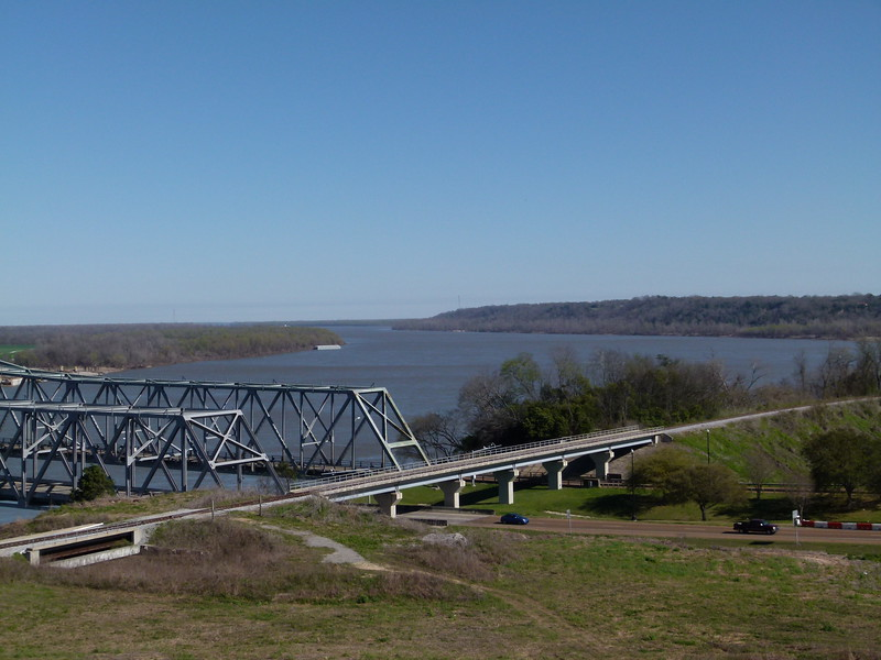 008 Mississippi River at Natchez.JPG