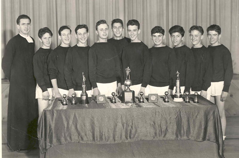 Basketball 1942  (Frosh Champs, Br. Hubert).jpg