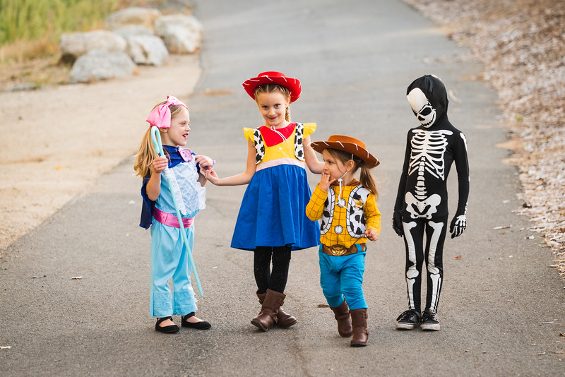 Halloween 2019 Paris Cousins-9377.jpg