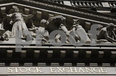 us-stocks-sink-after-extrump-adviser-flynn-pleads-guilty