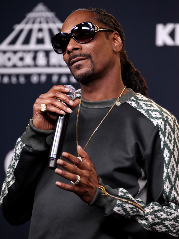 . Snoop Dogg poses in the 2017 Rock and Roll Hall of Fame induction ceremony press room at the Barclays Center on Friday, April 7, 2017, in New York. (Photo by Andy Kropa/Invision/AP)