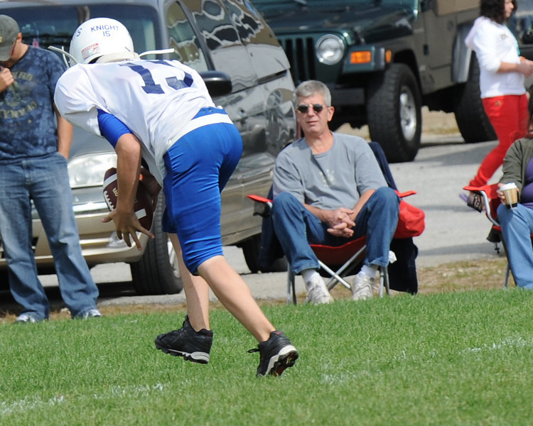 Senior Giants crush senior Redskins in Fly Football game on September 19, 2010